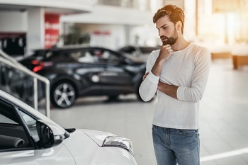Should You Buy a New or Used Car? Image